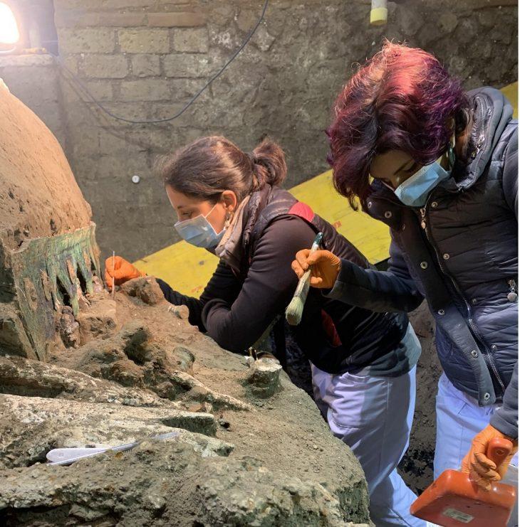 Pompeii Antik Kenti'nde Daha Önce Görülmemiş Dört Tekerlekli Araba Ortaya Çıkarıldı