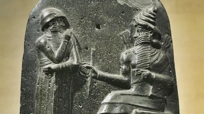 Tanrı Marduk ve Hammurabi