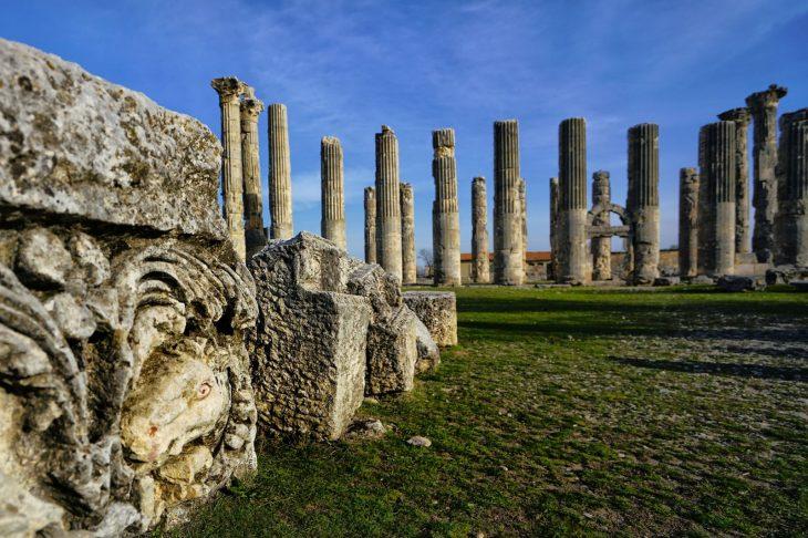 Uzuncaburç antik kenti