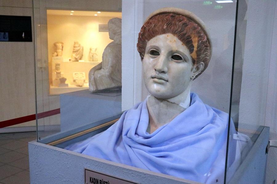 Roma dönemine ait eşsiz Artemis büstü