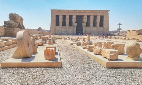 Yukarı Mısır'da bulunan Dendera tapınağı.