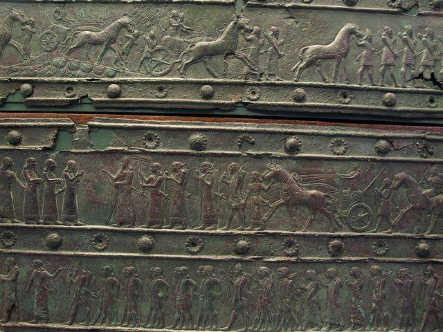 III. Salmanasar döneminde kabartmalarda yapılan seferler anlatılmıştır.
