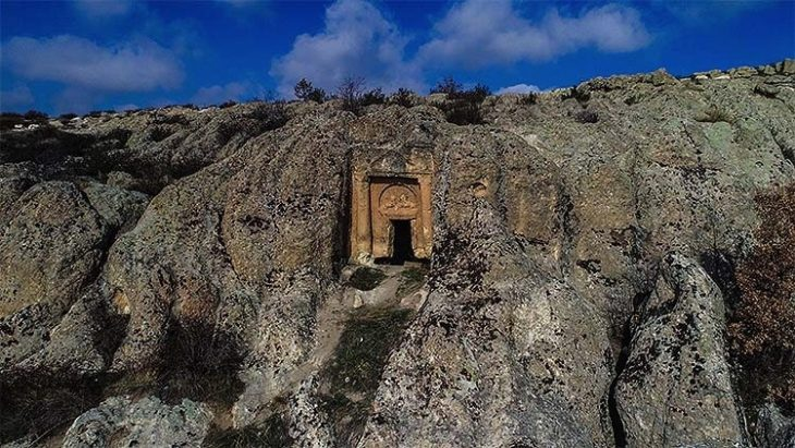 Ayazini mağaraları
