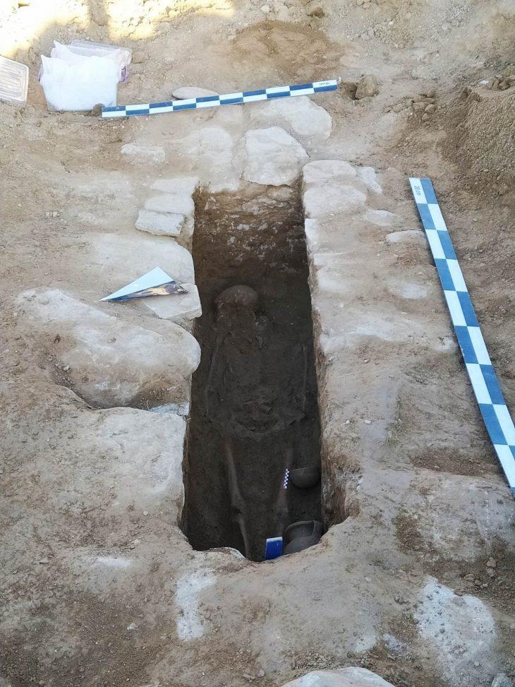 Helenistik döneme ait lahit ve iskelet