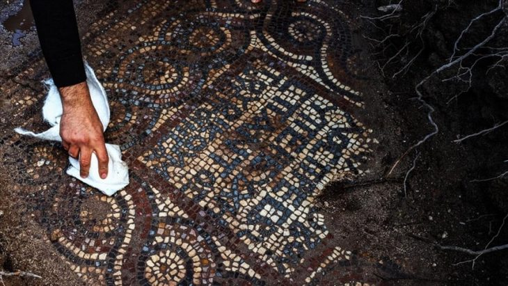 İzmirde 1500 yıllık mozaik