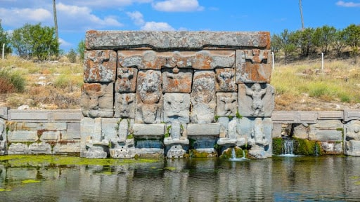 Eflatunpınar anıtı