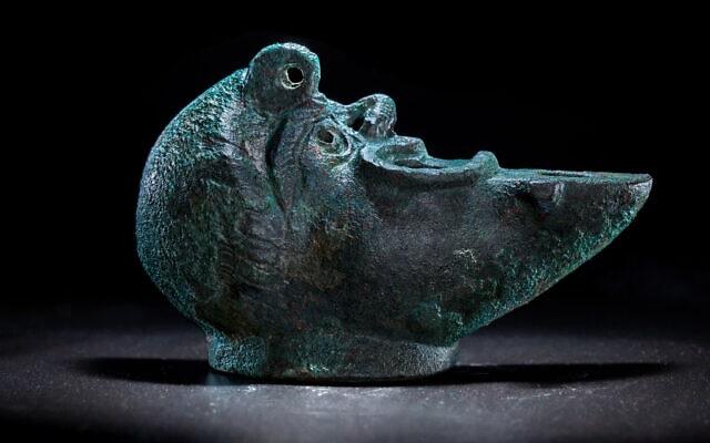 İsrail'de bulunan grotesk tipi kandil