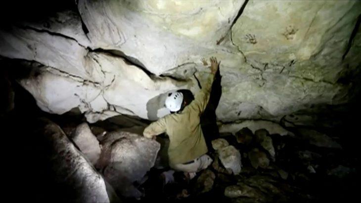 Meksikada-bir-mağarada-bulunan-el-izleri
