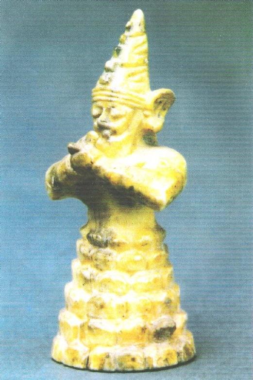 fildişi dağ tanrısı heykelciği