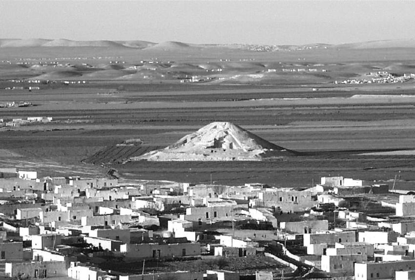 tell-Banat_White Monument