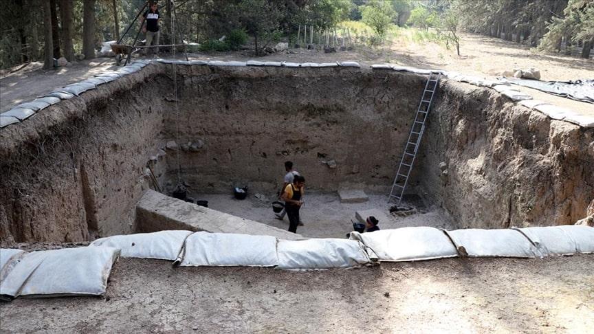 4 bin yıllık Mukiş Kralığı'nın başkenti Alalah (Aççana Höyük) kazıları devam ediyor. Foto: Lale Köklü Karagöz / AA