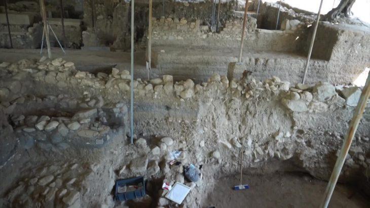 Antandros Antik Kenti'nde 2.400 Yıllık Mezar Ortaya Çıkarıldı