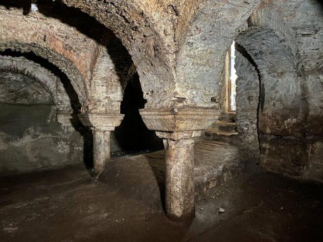 İstanbul Fatih'te Laurentius Kilisesi'ne ait bir sarnıç
