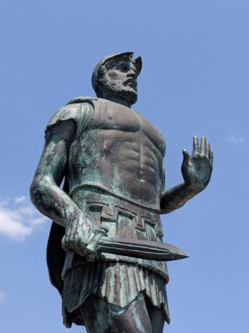 Miltiades'in Zeus'a sunduğu Miğferi