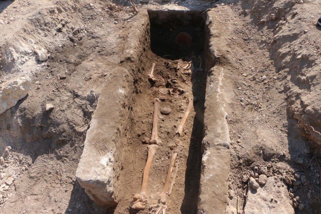 Perre Antik Kenti'nde bulunan 1000 yıllık mezar