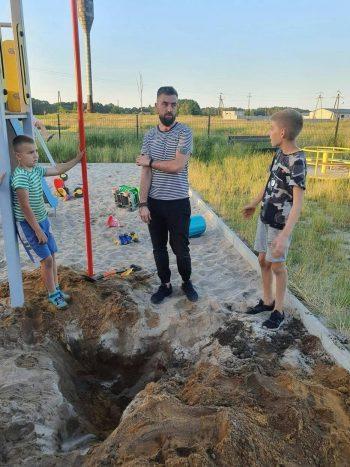 Polonyalı çocuklar kum havuzunda tunç çağı mezar buldular
