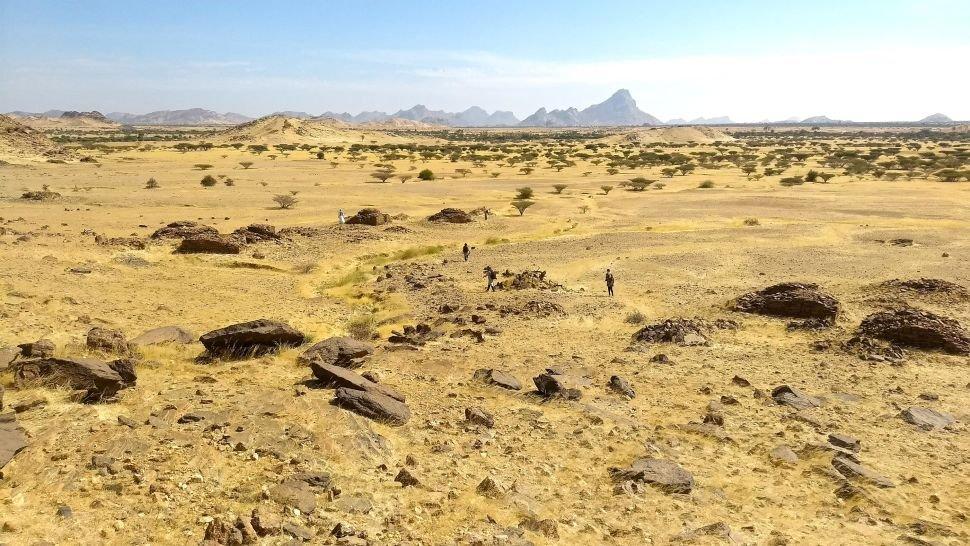 Jebel Maman olarak bilinen bir bölgenin etrafındaki qubba mezarlarının bir manzara görünümü. (Stefano Costanzo)