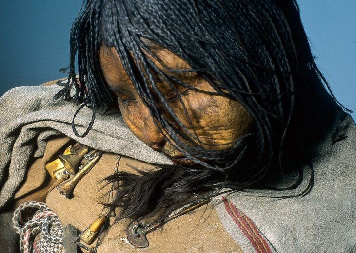 And Dağlarında uyuyan Inka La Doncella veya The Maiden olarak adlandırılan mumya