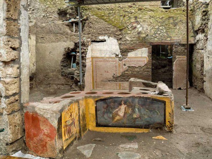 Pompeii_de-bulunan-ilk-fast-food-tezgahı-AP-aracılığıyla-Luigi-Spina-Parco-Archeologico-di-Pompei