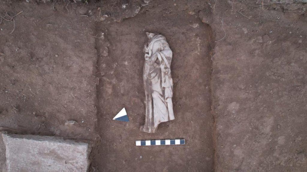 Sağlık ve Temizlik tanrıçası Hygieia heykelinin çıkarılış anı Fotoğraf AA