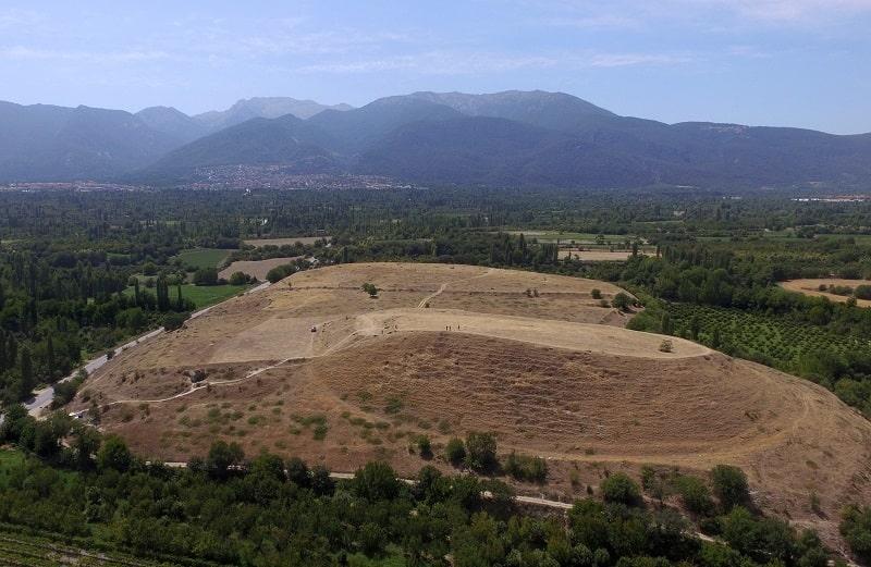 Colossae Antik Kenti, Ksenephon'a göre Frigya'nın 6 büyük kentinden biridir.