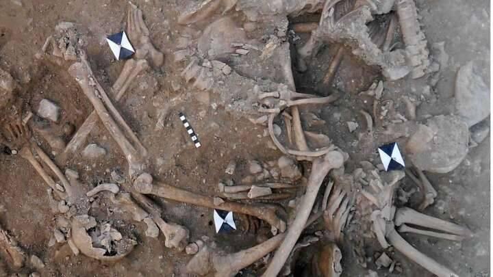 Lübnan'da Haçlılara ait toplu mezar bulundu