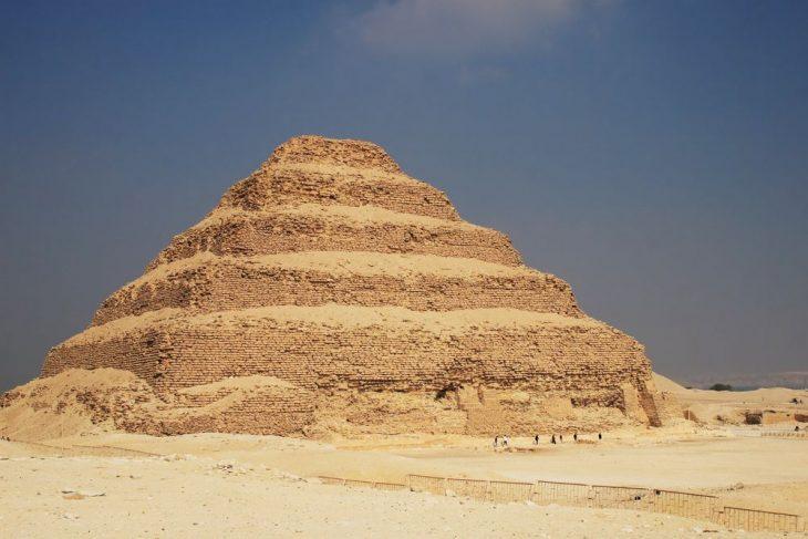 Mısır'da 4.500 yıllık Kral Djoser'in piramidi