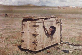 Ölüme mahkûm edilen Moğol bir kadın, 1913