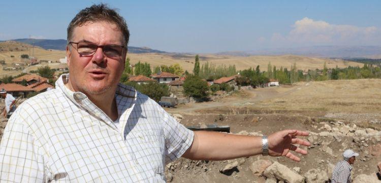 """Prof. Dr. Andreas Schachner, """"Hitit Başkenti Hattuşa kazılarında Hitit Mahallesi tamamen çıkarılmaya çalışılacak"""""""
