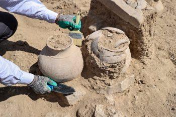 Urartu ölü gömme geleneği urne mezar tipi