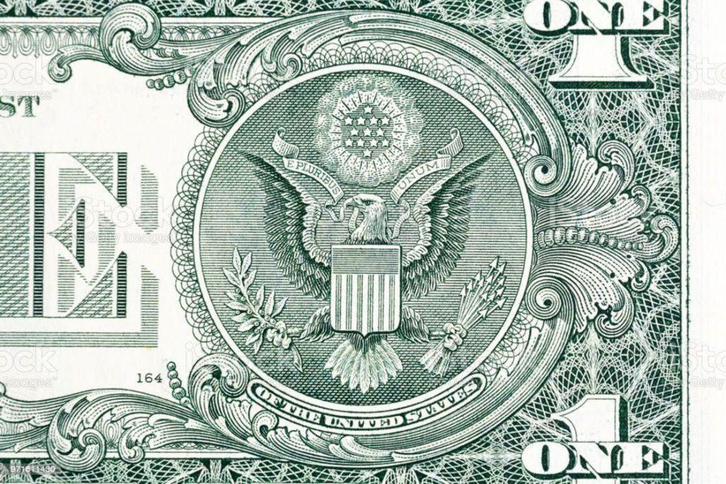 ABD'nin Büyük Mührü 1 dolarlık banknotta görülüyor.