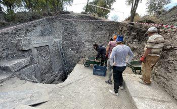 Alexandria Troas kazılarında 2 bin 200 yıllık kapı
