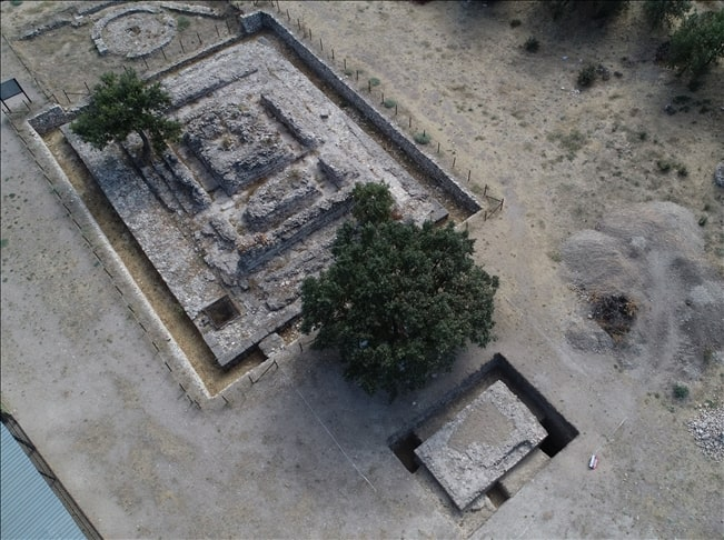 Alexandria Troas Antik Kenti'nde 2.000 yıllık altar