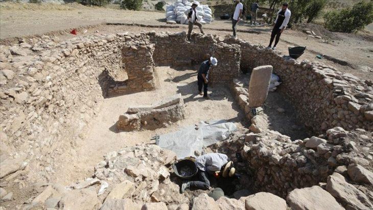 Boncuklu Tarla 12 bin yıllık tapınak bulundu