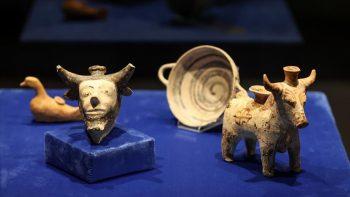 Klazomenai'deki 2 bin 600 yıllık sunu kapları İzmir Arkeoloji Müzesi'nde sergileniyor Fotoğraf AA